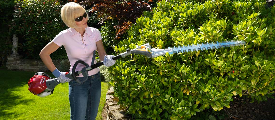 The Honda VersAttach Hedge trimmer - Short