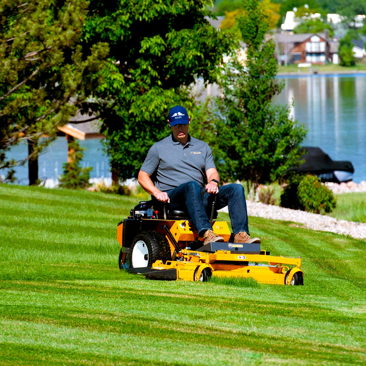 Walker Mower Model RS42R - 42 inch - beautiful cut every time!