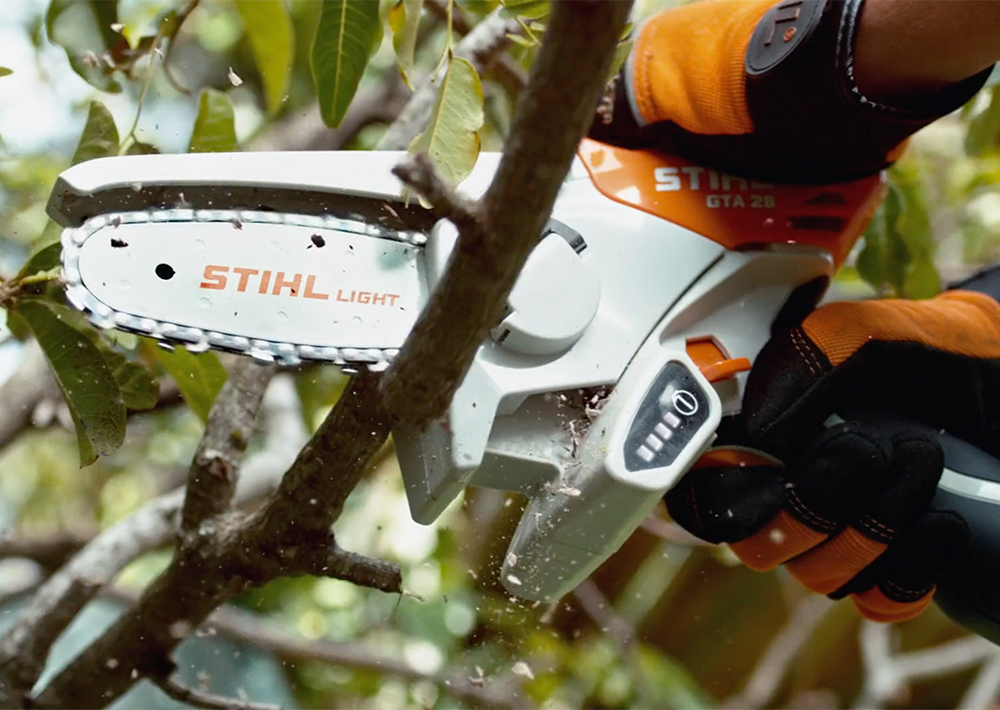 cutting small branches with ease